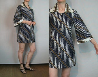 70s Batik Cotton Mini Dress / 1970s Bell Sleeve Mini Dress / Ethnic Striped Mini Dress / Black n White Dress