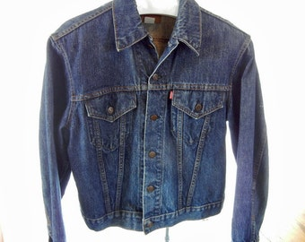 Vintage LEVIS Denim Faded Trucker Jean Jacket Mens Type III Distressed unsized  faded blue small E 1970s/1980s Made in USA