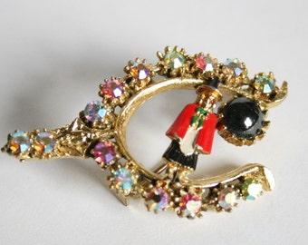 Vintage lucky horseshoe brooch. Welsh brooch. Crystal horse shoe brooch