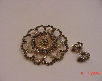 Vintage Bellex Large Rhinestone Brooch & Clip On Earring Set In Original Box   16 - 762