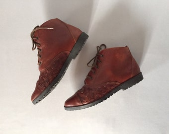 chestnut leather woven ankle boots | lace up boots | 5.5 | 6