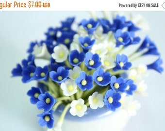 Miniature Polymer Clay Flowers Supplies for Dollhouse, set of 20 stems, two tones, White and Blue