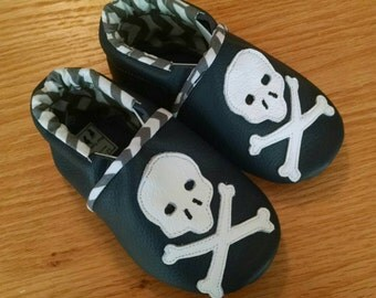 skull and crossbone navy blue baby boy's shoes 12-18 months/ size 5