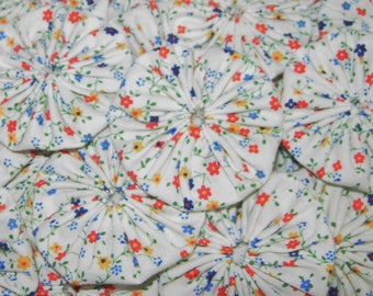"Fabric YoYos, 20 Floral Calico Print, 2"" Size, Crafting, Appliques, Quilting"