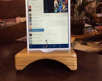 Sounder mini, the wooden iPad mini stand / dock that amplifies naturally.