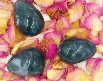 Namaste's Pick - Moss Agate Medium Yoni Egg