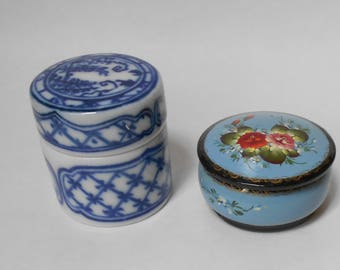 2 Sweet Little Vintage Bedside Pillboxes!