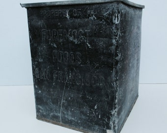 Vntg Foremost Foods Industrial Dairy Ice Cream Cooler Chest Galvanized Metal  Antique Primitive distressed steampunk Storage  TRUNK TABLE