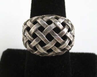 Sterling Silver Ring - Vintage w/ Beautiful Woven Pattern, Size 6 1/2