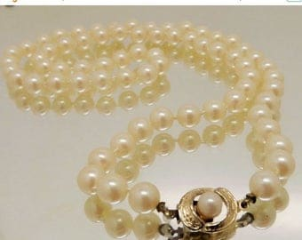 SpringSale17 Vintage Hand-knotted Faux Pearl Necklace Pearl Box Clasp Unsigned