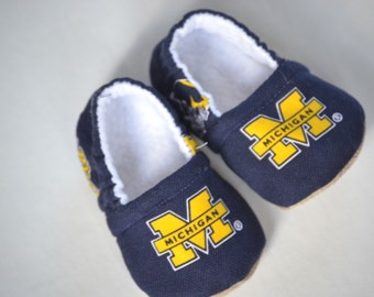 University of Michigan baby booties, wolverines baby shoes, U of M baby shoes