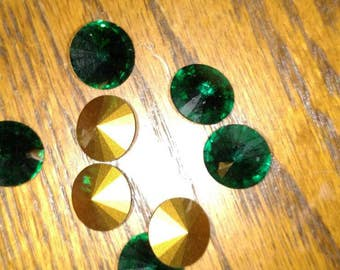 14mm Swarovski crystal Rivoli emerald