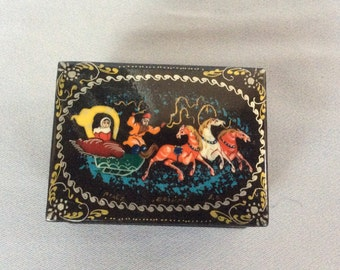 Russian Lacquer Box  Palekh Troika Handcrafte Hand painted Signed