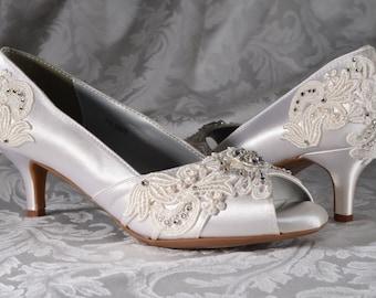 Womans Low Heel Wedding Shoes Vintage Lace Peep Toe Heels Womens Bridal