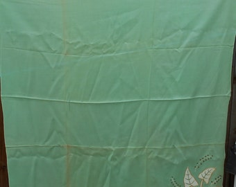 Vintage Tablecloth and Napkins (4)