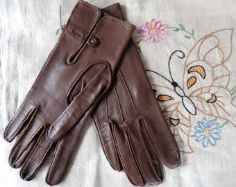 English Made Vintage Gloves Brown Leather Short Length with Button 1930's Buttons from EnglandNice Quality Leather Soft