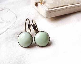 Mint green earrings. Mint retro earrings. Vintage mint  earrings. Mint green Jewelry. Mint bridesmaid. under 20.  Everyday Jewlry. Gift her
