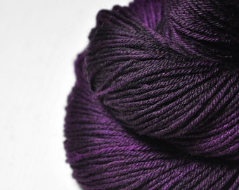 Poisoned by love - Merino/Manx Fingering Yarn