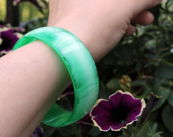 Lovely Lucite Bangle, Green and White, Translucent ca. 1960s