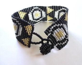 Art Deco Seed Bead Bracelet, Glass beaded bracelet, Flapper Jewelry, 80s Native American Beads, Jackpot Jen Vintage
