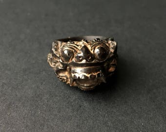 SALE Vintage Black Carved Horn Ring Dragon Lion Indonesian Jewelry