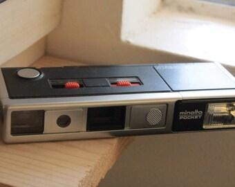 Minolta Pocket Autopak 450E: 110 Film Camera