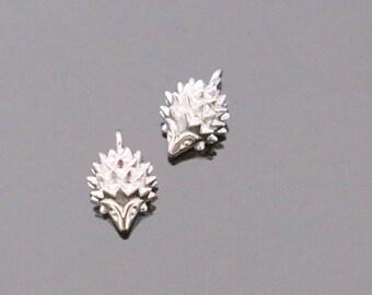 Matte Silver Small Hedgehog Bead, Animal Bead, Animal Charm, connectors, pendant, charm, bead, 2 pc, KE615547