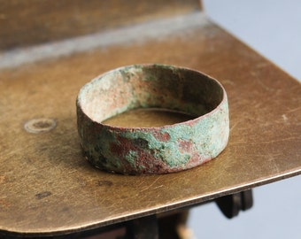 Antique brass primitive ring. Man wedding ring, Original dark patina. Size 9