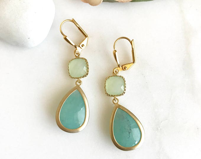 Aqua Mint Dangle Earrings. Bridesmaids Earrings. Drop Earrings. Wedding Jewelry. Bridal Party Gift. Turquoise Teal Drop Earrings. Gift.