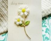 Daisy Time Floral Brooch on Original Card-Daisy Enamel Vintage Pin