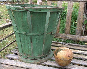 I Think I Found The Perfect Green Antique Shabby Basket