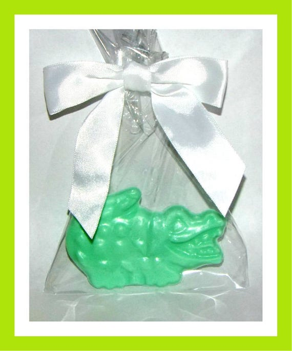 24 Alligator Soap Favors,Crocodile Soap,Birthday Party Favor,Baby Shower Favor,Personalized Button Pin,Girl Birthday,Boy Birthday,Kid Soap