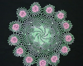 "Vintage Hand Crocheted Doily 14"", Varigated Green with Pink Flowers"