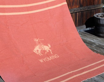 Vtg. Wool WYOMING COWBOY Blanket Queen Blanket cabin / lodge decor