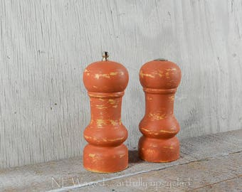 Salt shaker and pepper mill, Painted Distressed salt and pepper set, wood,  pepper grinder, salt and pepper shaker, upcycled, terra cotta