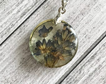 Purple  violet  lavender flower pendant - real flower  jewelry - real pressed flowers - botanical nature jewelry - Blue flower jewelry