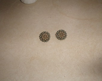 vintage clip on earrings blue white bead clusters