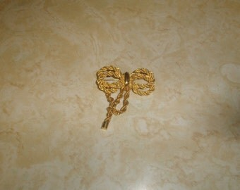 vintage pin brooch goldtone braid bow