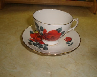 vintage bone china tea cup saucer set royal vale england red rose