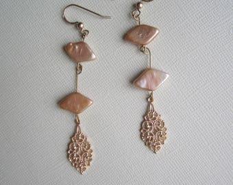 Golden Dangles ./. Linked Earrings ./. Pendants d'Oreilles ./. Golden Filigree Pendant ./. Golden Seashell Beads ./. Made in Sweden