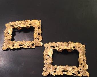 Musi florentine metal work  intricate gold metal shoe clips  set
