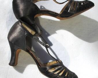 Vintage 50s Pumps, Black Spanish Heels, 1950s Dancing Shoes