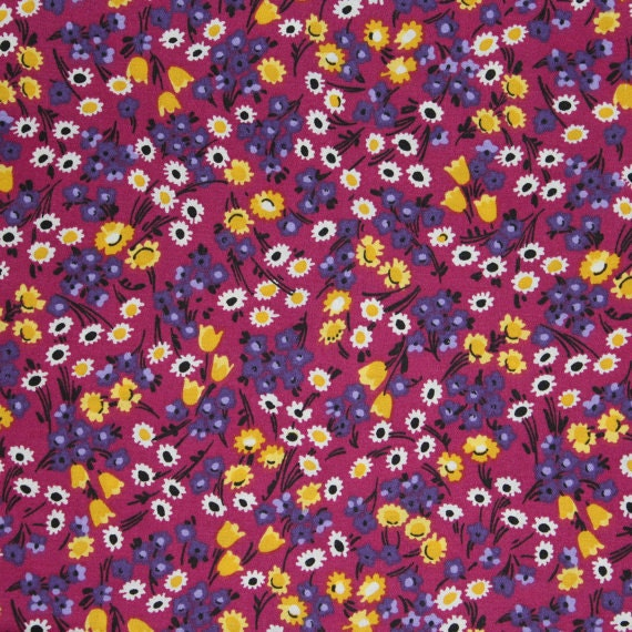 Flower fabric,Floral fabric,Magenta flower fabric,Calico cotton fabric,100% cotton fabric,Quilt,Apparel,Craft,Sold by FAT QUARTER INCREMENTS