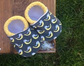 Baby Shoes for Girl or Boy - Charcoal Grey with Yellow Chickadee Birds - Made to Order Sizes 0-24 months 2T-4T