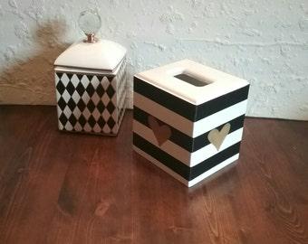 Black and White Tissue Box Cover- Striped Tissue Holder - Striped box -Tissue Holder - Gold Hearts -Bathroom Decor - Bedroom Decor