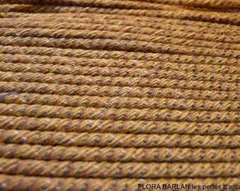 antique lace trim /17 metres/669.11 inches/made in france WYSIWYG