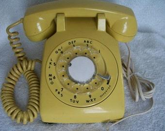 Vintage 1980 ITT Working Desk Top Telephone Original Yellow (FREE SHIP)