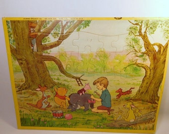 Vintage WINNIE The POOH BEAR tray Puzzle Walt Disney Productions, Toy, Jaymar Specialty Co New York, Made in U.S.A.