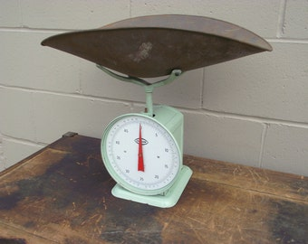 Chatillon Scale 50 Pound Capacity Antique Green with Pan Tray - Produce Candy Household - Retro Industrial Decor - Chatillon and Sons Co