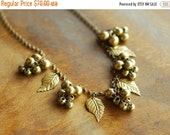 NEW YEAR SALE / vintage 1940s necklace / 40s brass leaves collar necklace